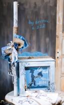Βαπτιστικό κουτί ντουλάπα για αγόρι 112 by erofili.  Χειροποίητο κουτί βάπτισης με αποθηκευτικό χώρο σε γαλάζιες  και γκρι αποχρώσεις.  Ζωγραφιστό στο χέρι σε θέμα ο μικρός καουμπόι .Συνδυάζεται με την αντίστοιχη λαμπάδα και το λαδοσετ.