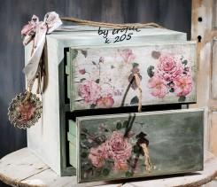 Βαπτιστικό ξύλινο κουτί χειροποίητο με αποθηκευτικό χώρο για κορίτσι 205 by erofili.  Χειροποίητο ξύλινο κουτί βάπτισης κομοδίνο με δυο συρτάρια για αποθηκευτικό χώρο. Σχεδιασμένο και ζωγραφισμένο στο χέρι σε απαλό πράσινο χρώμα της μέντας και ροζ με θέμα τα λουλούδια και διακοσμημένο με κορδέλες, δαντέλες. Συνδυάζεται με την αντίστοιχη λαμπάδα καθώς και με όλα τα αξεσουάρ της βάπτισης.