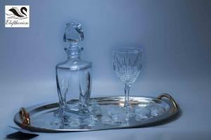 Δίσκος γάμου καθρέπτης επάργυρος με επίχρυσες λεπτομέρειες. Διαθέσιμος μαζί με σετ με κρυστάλλινη καράφα και ποτήρια σαμπάνιας.