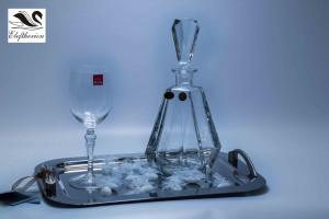 Δίσκος γάμου καθρέπτης επάργυρος διαθέσιμος με set κρυστάλλινη καράφα και ποτήρια σαμπάνιας